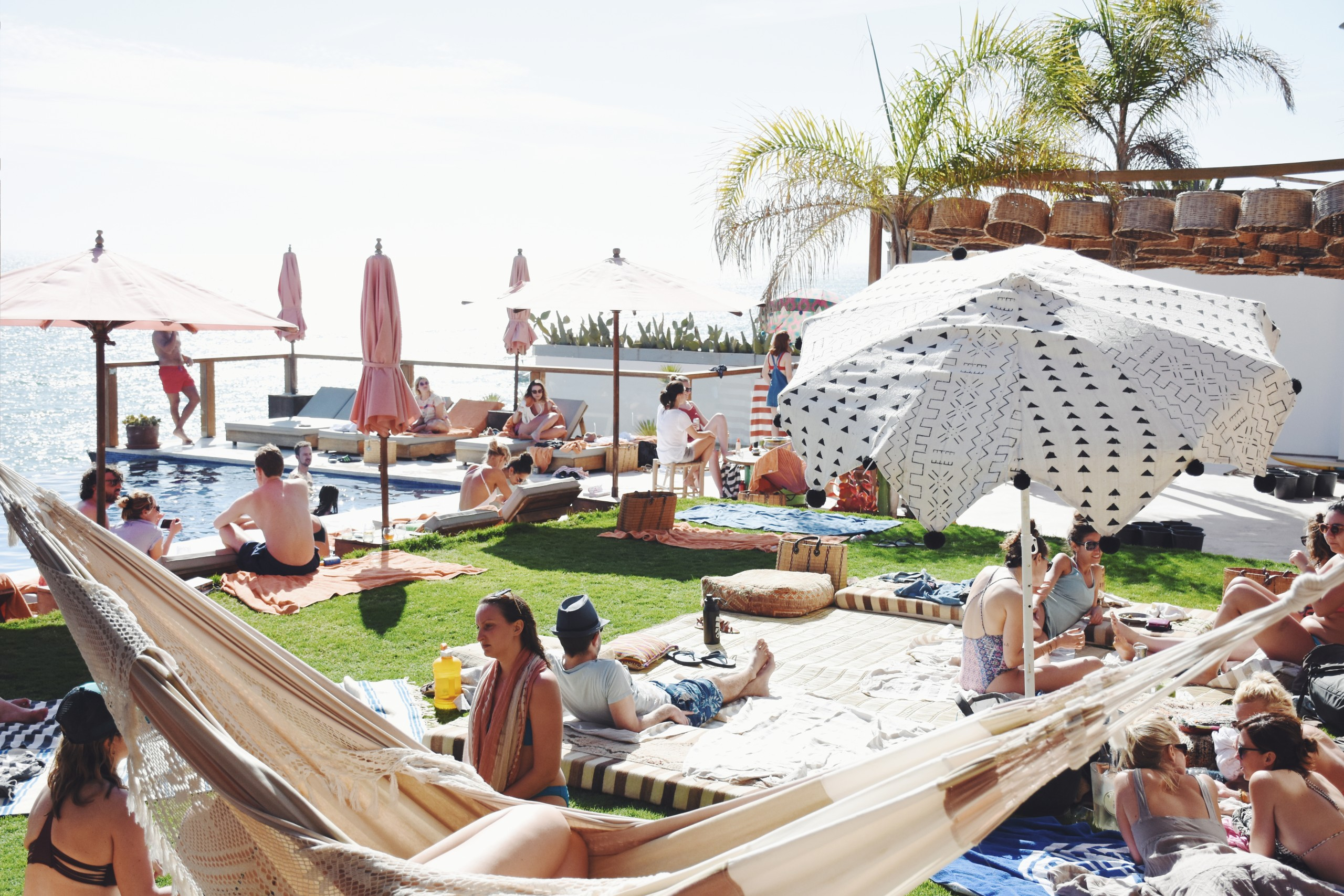 Pool Party surf maroc summer amouage